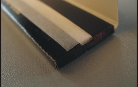 Schmales King Size Zigarettenpapier (107 x 44 mm) in individueller Packung und Schaukarton image