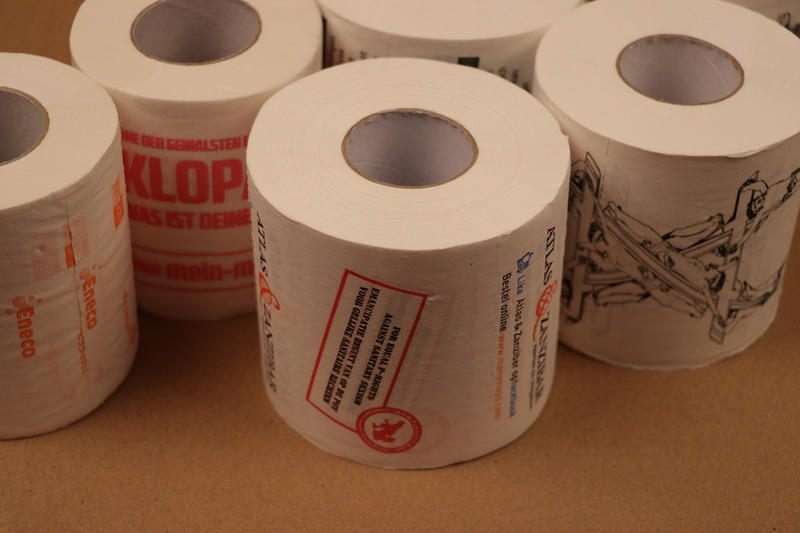 individuell bedrucktes toilettenpapier dinilu online angebote f r qualitativ hochwertige. Black Bedroom Furniture Sets. Home Design Ideas